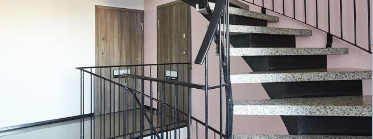 Onnistunut ovien asennus – taloyhtiön muistilista